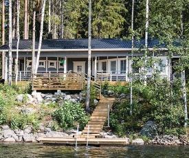 Three-Bedroom Holiday Home in Heinavesi