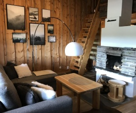 Chill Cave - logwood cottage